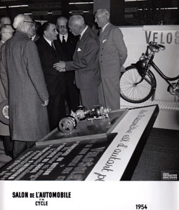 Salon de l'automobile et du cycle Paris 1954