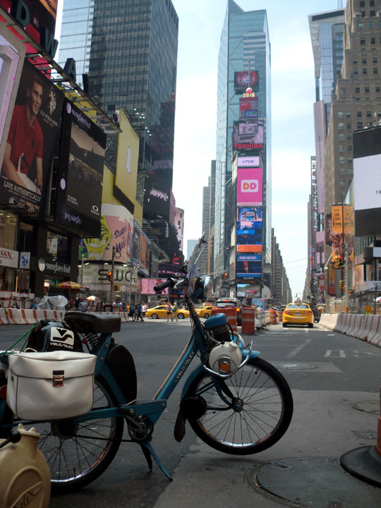 Velosolex 4600 in Times Square