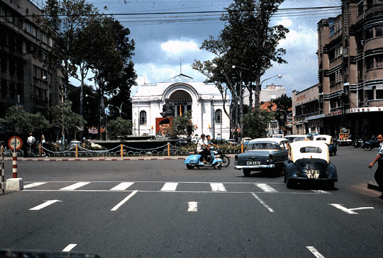 Taxi Renault 4 CV de Saïgon