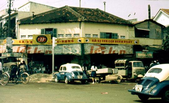 La fameuse Bière 33 de Saïgon