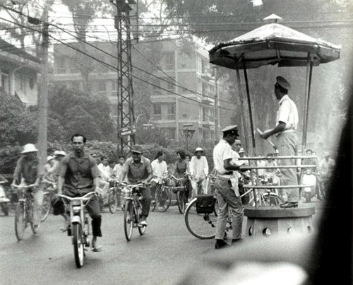 Les 2 roues dans la rue Pasteur