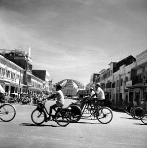 Vélosolex Marché central Phnom Penh